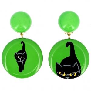 Bijoux boucles d'oreilles réalisées par Marie-Christine Pavone représentant un chat de couleur verte qui avance