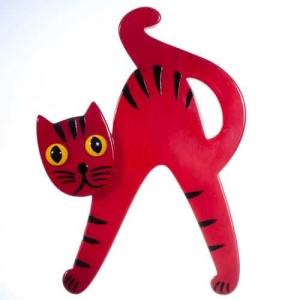 broche chat joyeux rouge