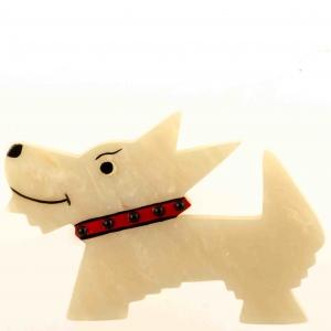broche chien muso blanc