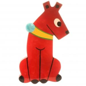 broche chien timide rouge