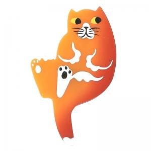 Broche avec un chat de couleur orange et blanc