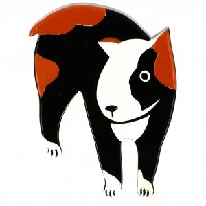 Chien Bull Terrier noir